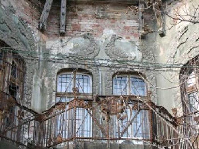 Povestea hotelului din Oradea unde au stat Iorga, Sadoveanu şi Enescu. Patronul l-a dat afară pe ultimul împărat al Imperiului Austro-Ungar pentru comportament indecent