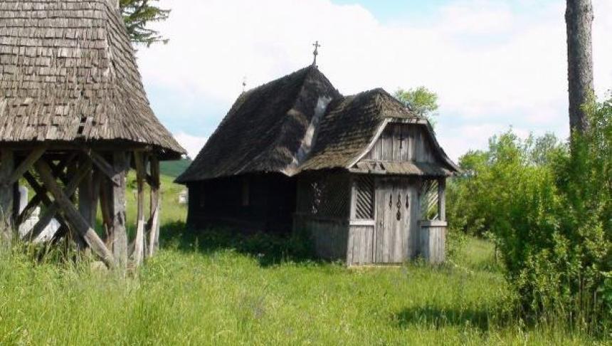 Tăcuta moarte a vechilor biserici ortodoxe de lemn din Mureş