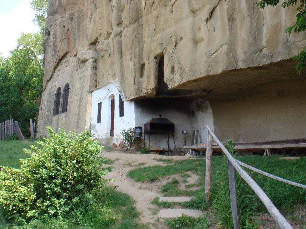 Corbii de Piatră – un unicat, lăsat pradă distrugerii