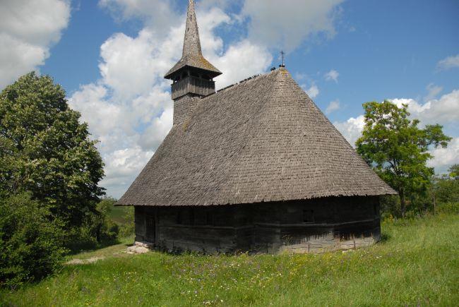 Bisericile de la Hotar si Gheghie – O picătură de speranţă într-un ocean de mizerie