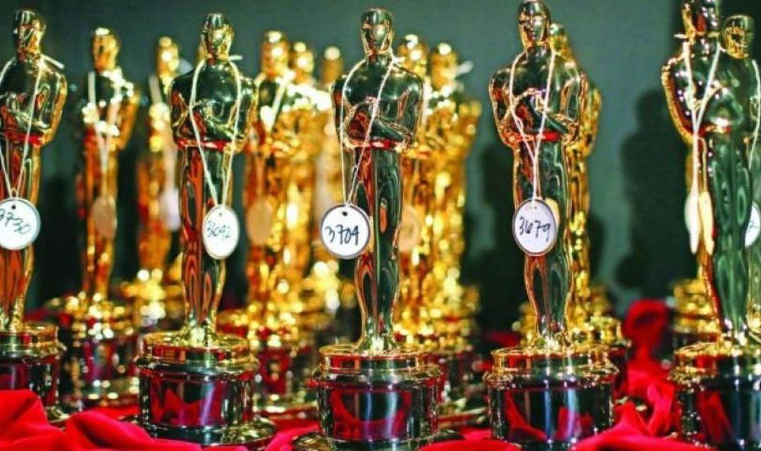 Cine a pozat nud pentru statueta Premiului Oscar