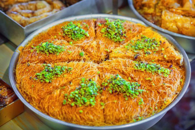 Un desert din Orientul apropiat pe care ar fi delicios să îl gustaţi