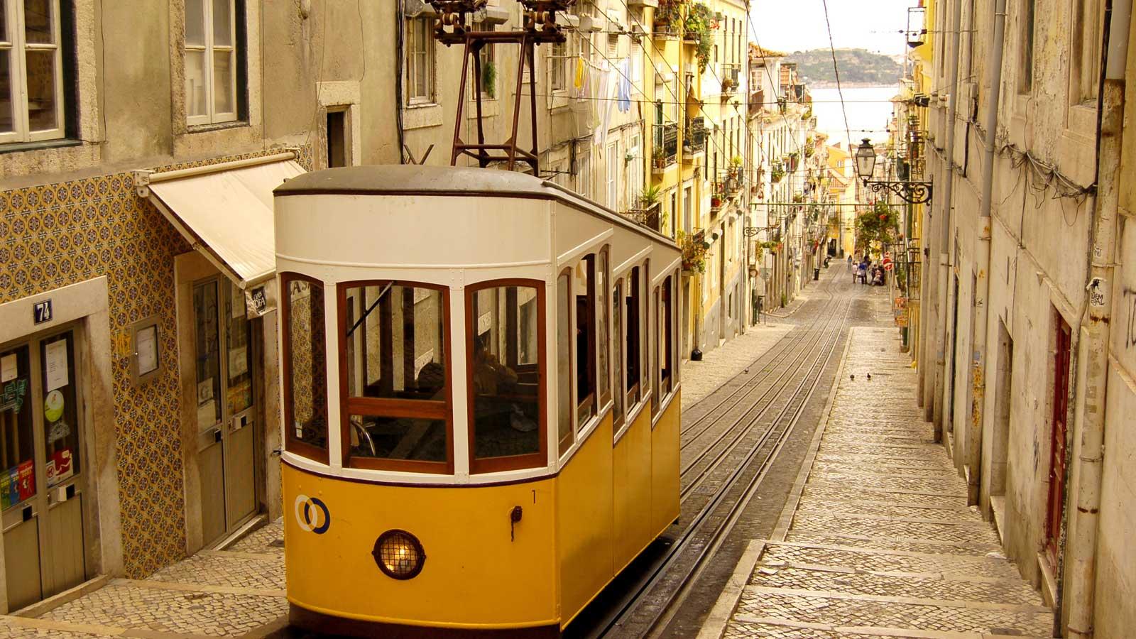 Lisabona, vacanță inedită la marginea Europei