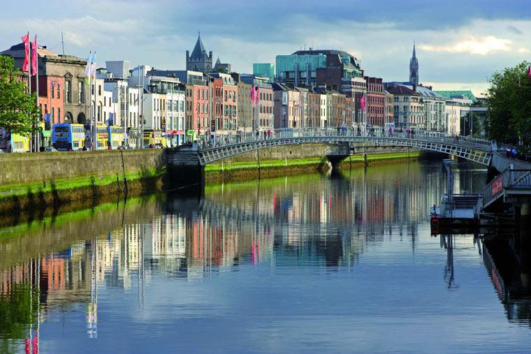 Dublin-ul, pe urmele lui James Joyce, şi mai mult decât atât