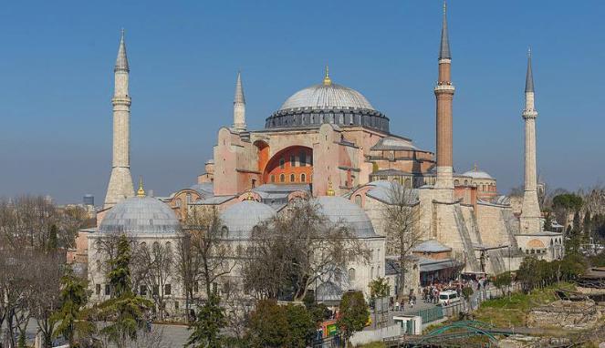 10 cele mai frumoase destinaţii pentru un city break în luna mai