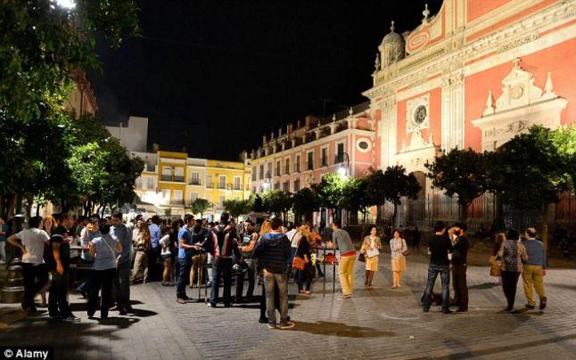 Autorităţile din Sevilla interzic distracţia pe timp de seară în zonele turistice
