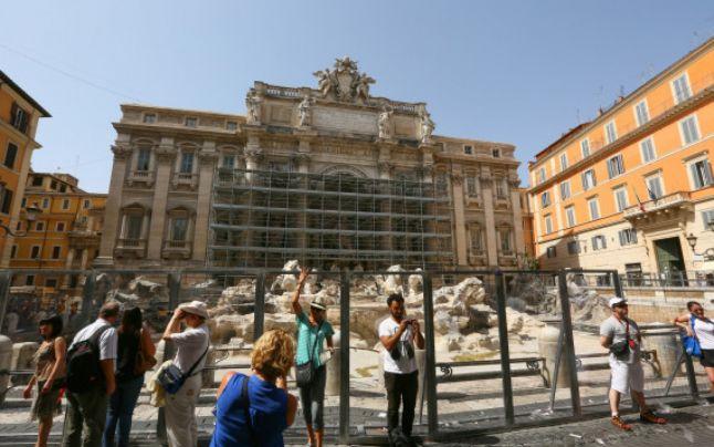 S-au încheiat lucrările de restaurare la Fontana di Trevi – Cât a costat reabilitarea monumentului?