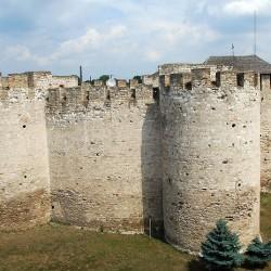 800px-Cetatea_Sorocii