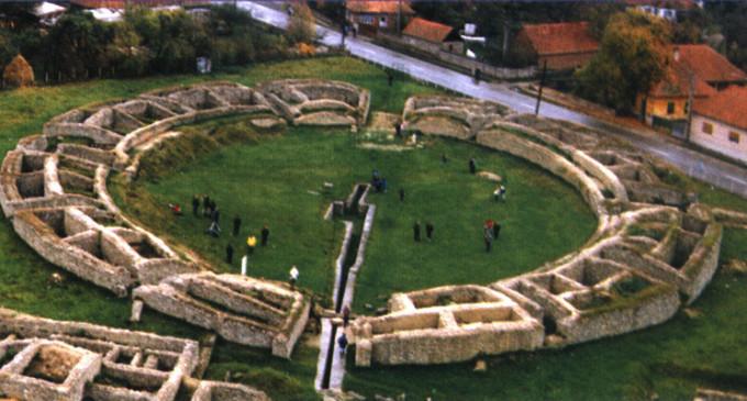 Amfiteatrul roman din Ulpia Traiana Sarmizegetusa va fi refăcut cu marmură. Proiectul uriaş a fost declarat eligibil