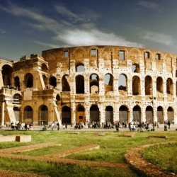 5878_Tourists-in-the-morning-at-the-Colosseum-of-Rome