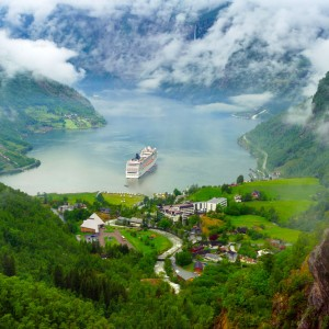 fiorduri-norvegia-norvegia-fiord-geiranger-fiord-geiranger-norvegia_ewwg
