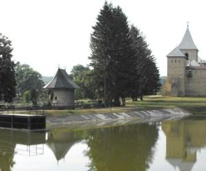 M-rea_dragomirna_-_panoramic_-_Est