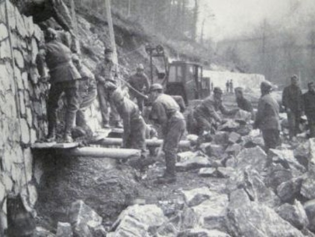 muncitori-la-constructia-transfagarasanului