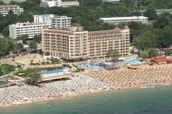 Bulgaria se pregăteşte pentru sezonul turistic de vară. În staţiuni vor fi primiţi turiştii vaccinaţi sau cu test PCR negativ