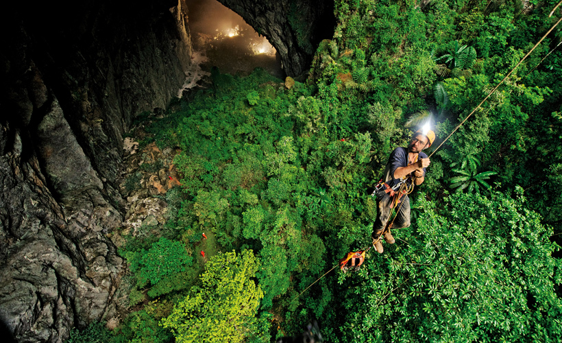 Cum arată cea mai mare peşteră din lume. Son Doong din Vietnam a fost descoperită întâmplător