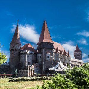 Castelul_Hunedoarei_Romania-1024x683