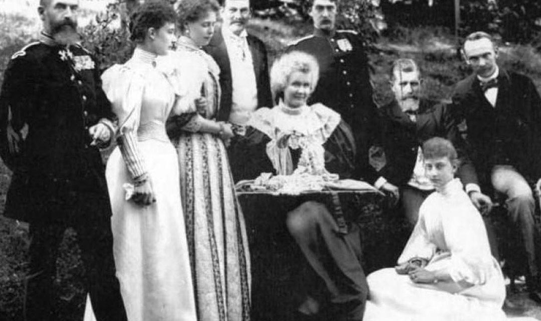 La masă cu Regii României. Prânz în aer liber: picnicuri, croaziere, petreceri câmpenești