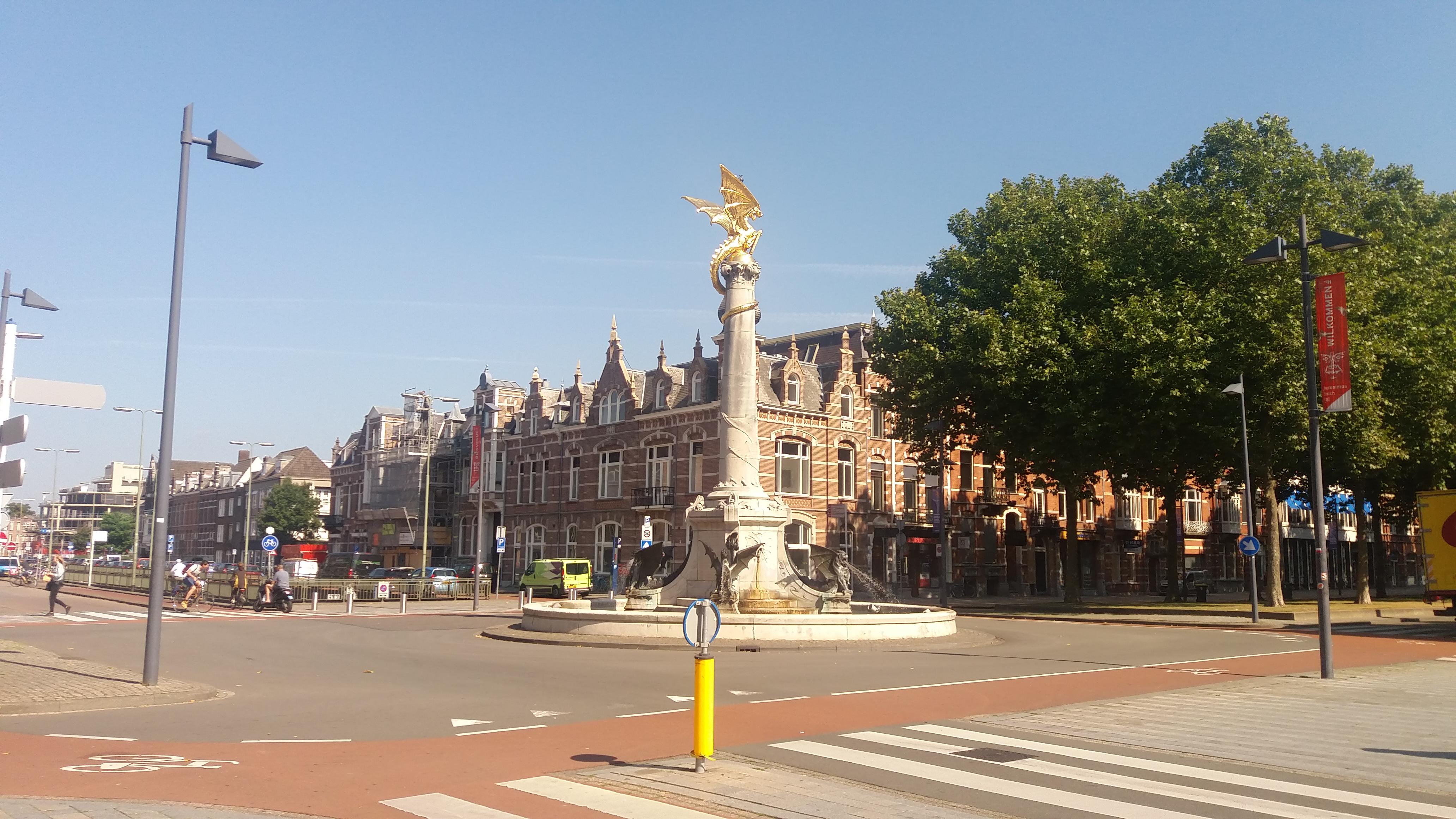 Orăşelul magic al dragonilor din Olanda – s'Hertogenbosch