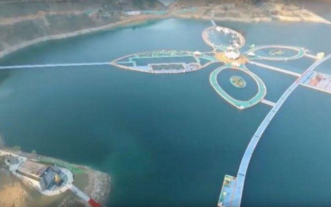China a inaugurat cel mai lung pod plutitor din lume: cum arată noua atracţie extremă VIDEO