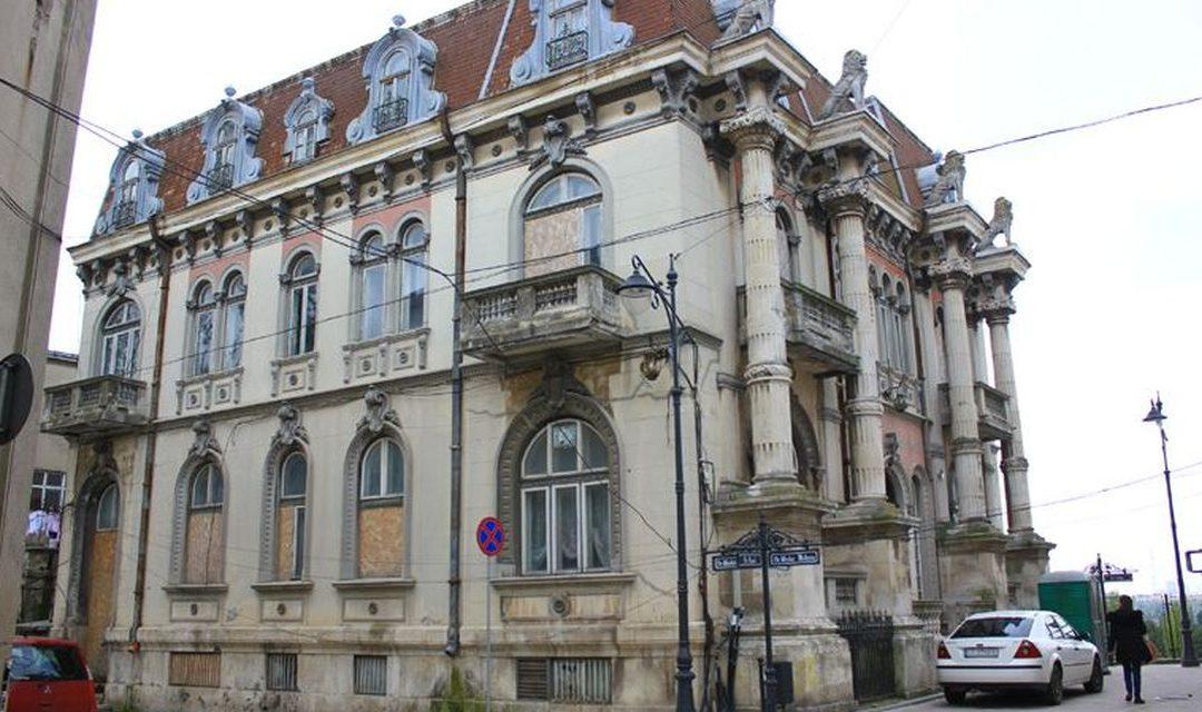 Casa cu lei din Constanța – cândva un simbol al orașului, azi o ruină