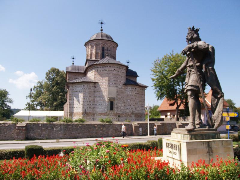Cât sunt dispuşi românii să cheltuie în minivacanţa de Paşte şi care sunt destinaţiile preferate