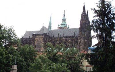 CETATEA DIN PRAGA – ISTORIE, FASCINAŢIE, CULTURĂ