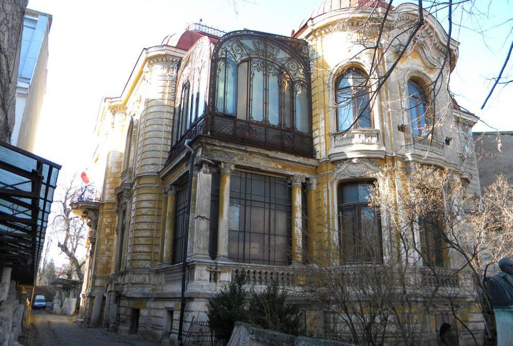 Casa Macca, o comoară arhitecturală a Bucureştiului, aflată în ruină
