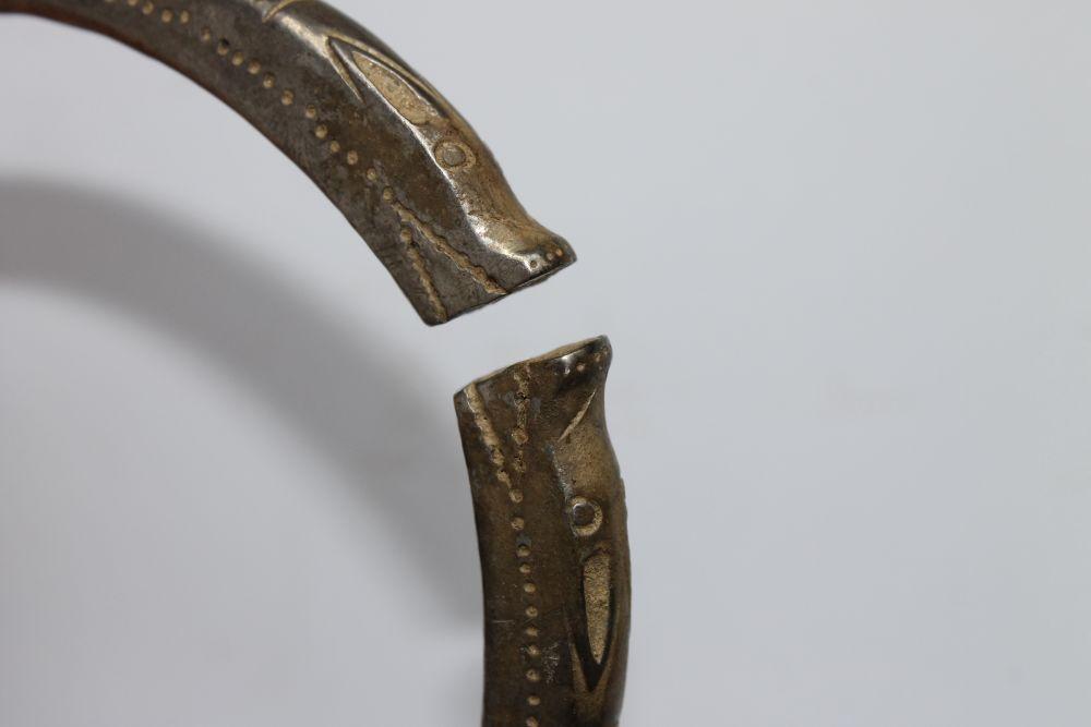 Repatrierea unor bunuri culturale de patrimoniu cu valoare excepţională aparținând României – peste 500 de monede și 18 obiecte de podoabă dacice din argint