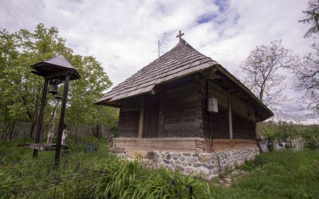 O bijuterie necunoscută – cea mai veche biserică din lemn de la sud de Carpaţi