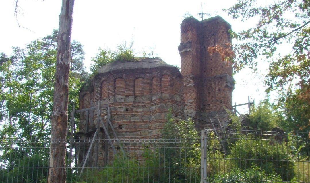 Biserica Sân Nicoară din Curtea de Argeș, vandalizată