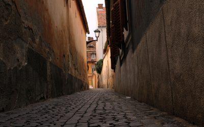 Străziile înguste ale Sibiului- Povestea nespusă a orașului