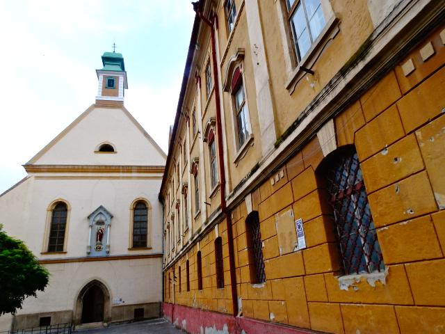 Biserica Ursulinelor și mitul tunelurilor subterane din Sibiu