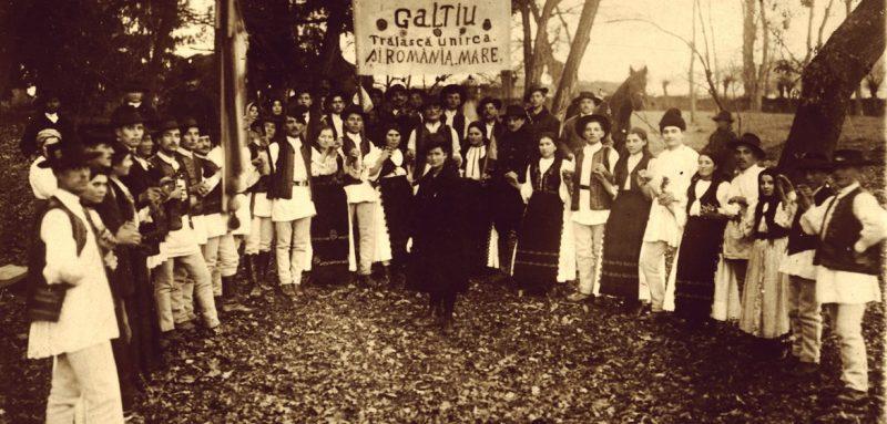 Consateni de-ai lui Marza care mergeau la Alba Iulia 1918