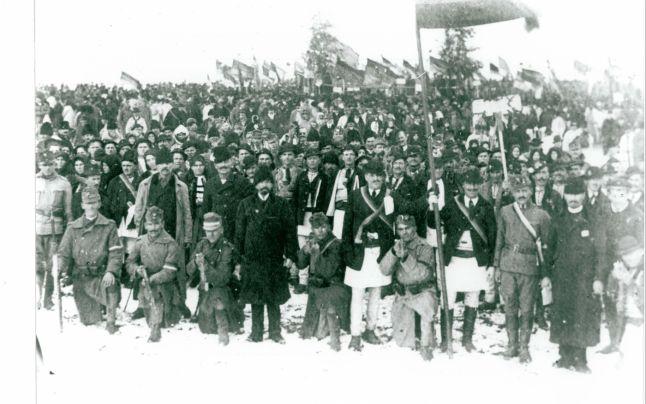 Participanti adunati pentru Marea Adunare Nationala
