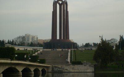 Istorii de acum o sută de ani. Mărturii ale regalităţii româneşti