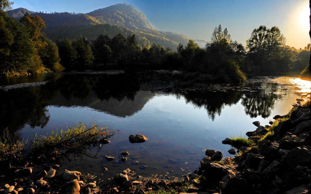 Un inginer declanșează un scandal privind cele mai frumoase suprafețe de pământ ale României. Cine vrea să le apuce?
