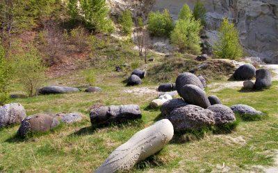 Trovanții de la Costești, misterioasele pietre vii care cuceresc imaginația turiștilor