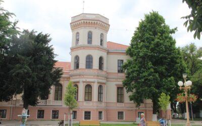 Castelul Nákó de la Sânnicolau Mare, palatul cu 99 de camere – cum s-a transformat o bijuterie arhitectonică în şcoală de tractorişti, discotecă şi muzeu