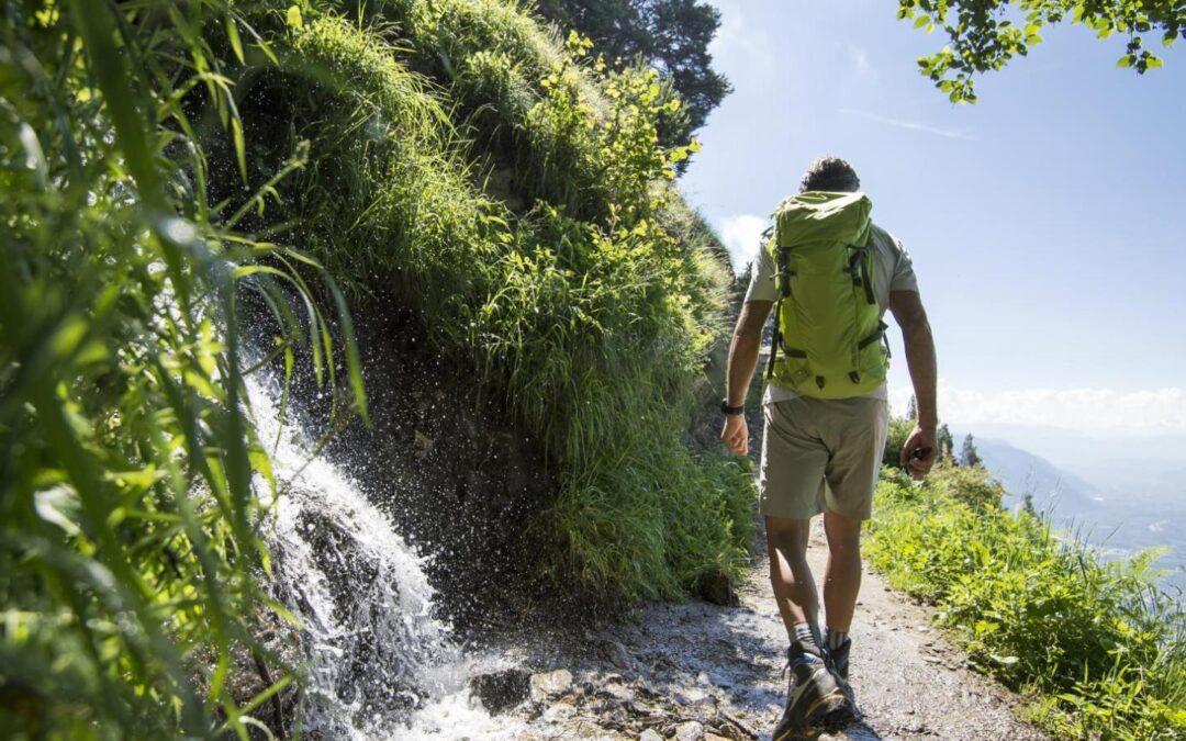 Cele mai bune luni pentru drumeţii montane şi sfaturi importante pentru iubitorii muntelui