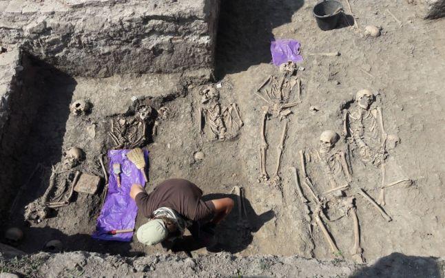 Arheologii români şi maghiari au făcut noi descoperiri la Mănăstirea cisterciană de la Igriş