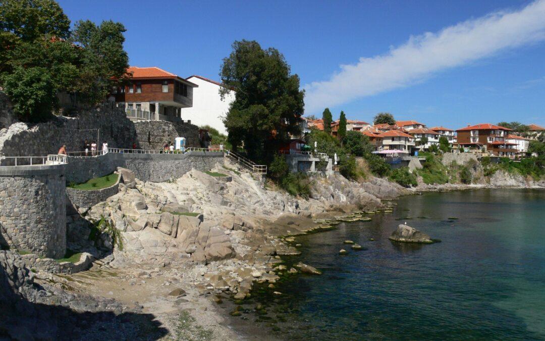 De la Stonehenge-ul Tracic la Santorini-ul Bulgariei – surprizele din sudul litoralului vecin