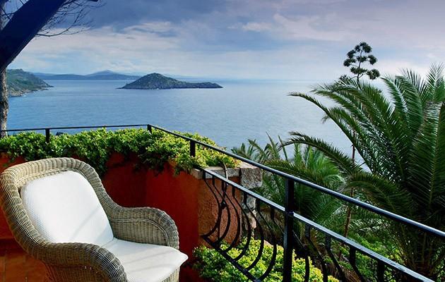 Cele mai spectaculoase hoteluri de pe plajele Italiei
