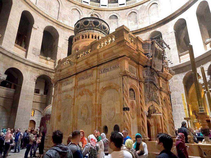 Biserica Sfântului Mormânt din Ierusalim se redeschide după două luni