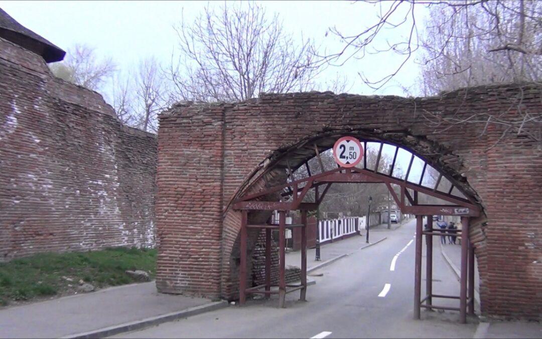 Poarta Dealu-Vânătorilor, monument istoric important din Târgovişte, va fi restaurată