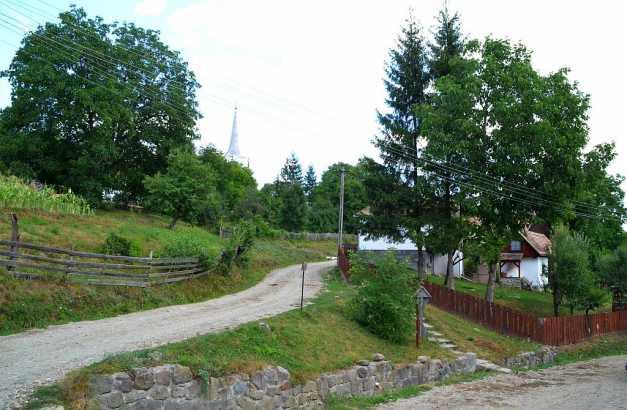 """Inlăceni – """"satul labirint"""" din Harghita, de pe lista UNESCO, unde sunt mai multe străzi decât case"""