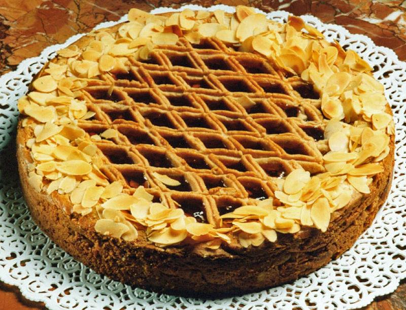 Cum își dispuă austriecii și italienii cea mai veche rețetă de tort din lume – tortul Linzer