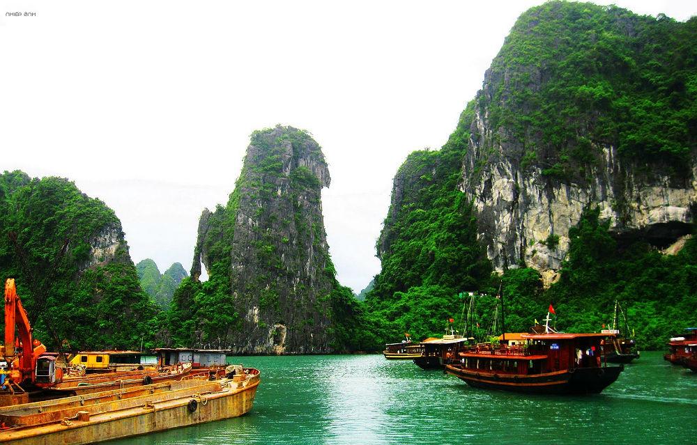 În cea mai cunoscută destinaţie turistică din Vietnam sunt interzise materialele din plastic