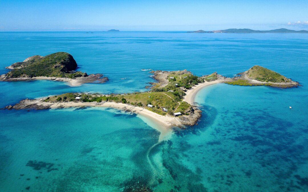 Istoria insulei care a fost câștigată odată la un joc de poker, iar acum e locul perfect pentru izolare în vreme de pandemie
