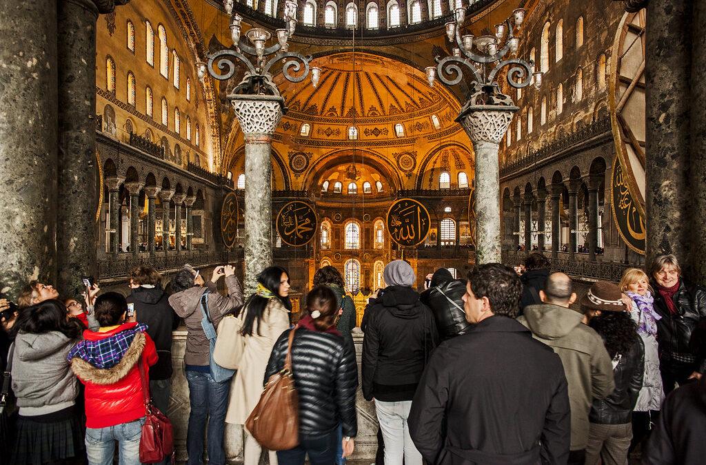 Ce trebuie să știți de acum  înainte când vizitați bazilica Sfânta Sofia din Istanbul