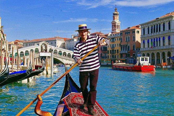 Gondolierii veneţieni se plâng de turiştii supraponderali şi decid reducerea numărului celor care urcă în bărci